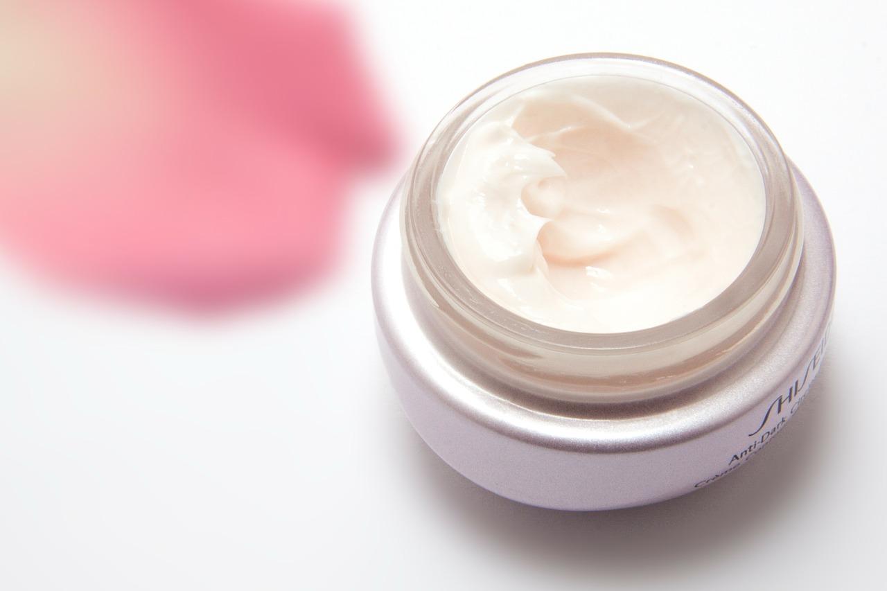Photo of ۱۱ محصول آرایشی بهداشتی از برند معروف کدلی که خانمها باید داشته باشند