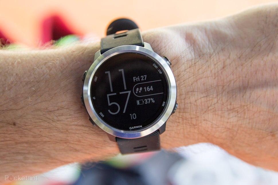 ساعت مچی هوشمند گارمین مدل Vivomove HR