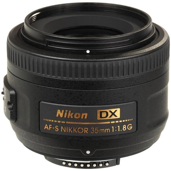 بهترین در مجموع:Nikon AF-S DX NIKKOR 35mm f/1.8G