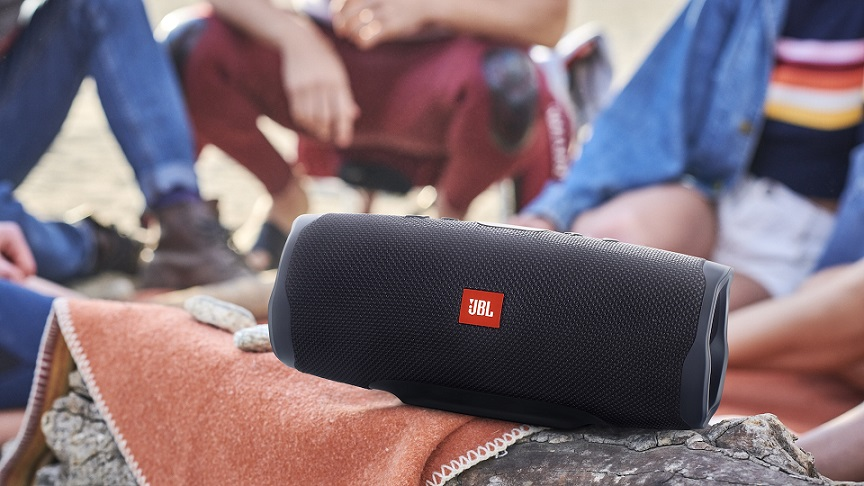 JBL Charge 4 outdoor
