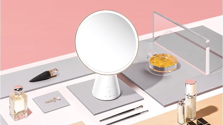Photo of ۶ آینه آرایشی محبوب که باید در خانه داشته باشید