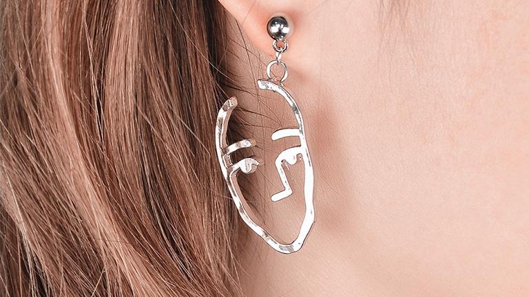 جذابترین گوشوارهها برای تیپهای خاص و هنری