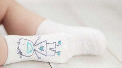 Photo of لوازم مورد نیاز برای کودکی که پاهایش را بر زمین میگذارد