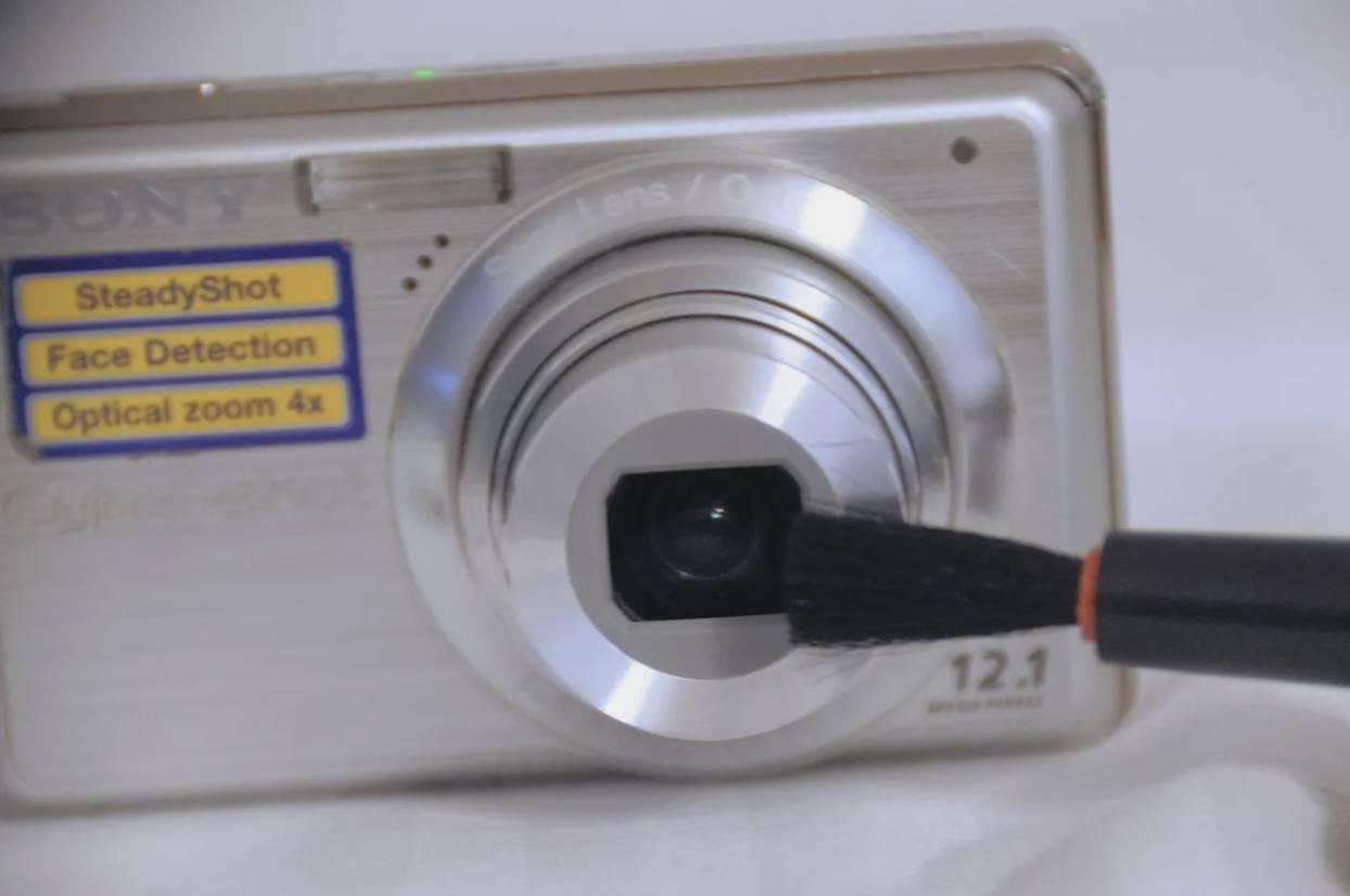 تمیز کردن لنز دوربین در منزل