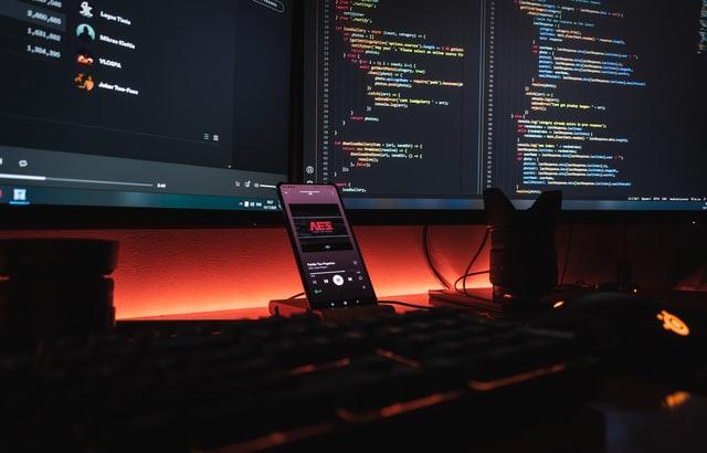 چگونه ۳ مانیتور را به یک لپ تاپ وصل کنیم؟